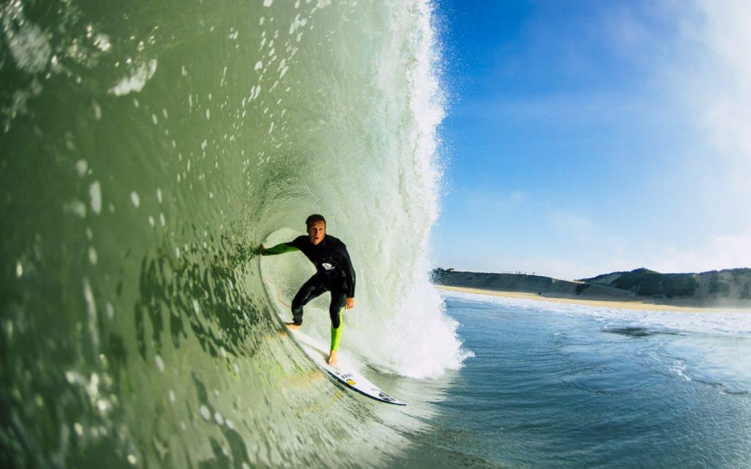 Training in de surfpoel is een perfect aanvulling om je surfen op niveau te brengen