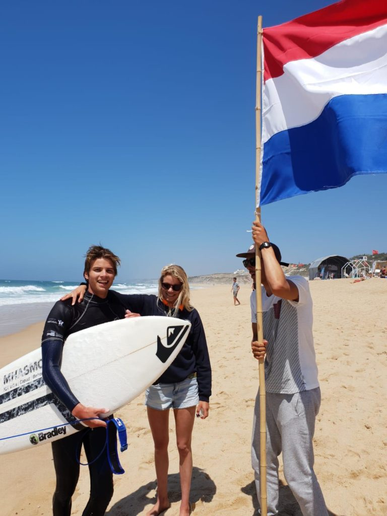 Tom en Mirna tijdens de Eurosurf 2019 in Portugal.